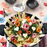 *****〜お鍋〜具材白菜🥬しめじにら豚バラ肉ネギ人参🥕豆腐*くるくるお肉と、くるくる人参🥕しめじはちょこちょこ生やして、豆腐を❤️…のInstagram画像