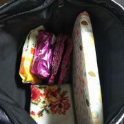 「カバンの中」【30名募集】鞄の中身と一緒にお洒落に撮影&投稿!ローズフレグランスサプリモニター大募集!の投稿画像