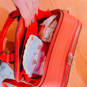 「応募時専用写真。無許可での転載不可です。」【30名募集】鞄の中身と一緒にお洒落に撮影&投稿!ローズフレグランスサプリモニター大募集!の投稿画像
