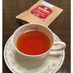 TIGER プレミアムルイボスティー最高級「スーパーグレード」の茶葉を100%使用したオーガニックルイボスティー。ティーバッグをティーポットに入れ、お湯を注いで、ホットルイボスティ…のInstagram画像