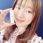 ビタブリッドC フェイスはお手持ちの化粧水に混ぜるだけでビタミンCがお肌に浸透されるパウダーです💕.今年もたっぷり紫外線を浴びてしまったので、くすみ、しみケア頑張ります♥ ..…のInstagram画像