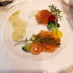 コース料理にも大好きなサーモン❤️😍..テンションあがるーー❤️❤️❤️....#30日はサーモンの日 #monmarche #野菜をmotto #野菜をもっと #スープ #…のInstagram画像