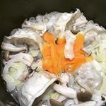 #手作り #餃子鍋 #dumplings #hotpot #tasty #yammy #foodstagram #monmarche #野菜をmotto #野菜をもっと #スープ #レンジ #カップス…のInstagram画像