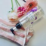 今一番お気に入りの組み合わせ♡⠀⠀@leivy_japan さんの花びら香るファンタジーボディシャンプー💐と @hadasei_silk さんのシルクボディタオル✨⠀これで洗うと全身ツルス…のInstagram画像