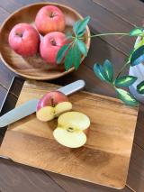 旬のりんごとシャルレの着圧ソックスの画像(2枚目)