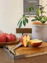 旬のりんごとシャルレの着圧ソックスの画像(1枚目)