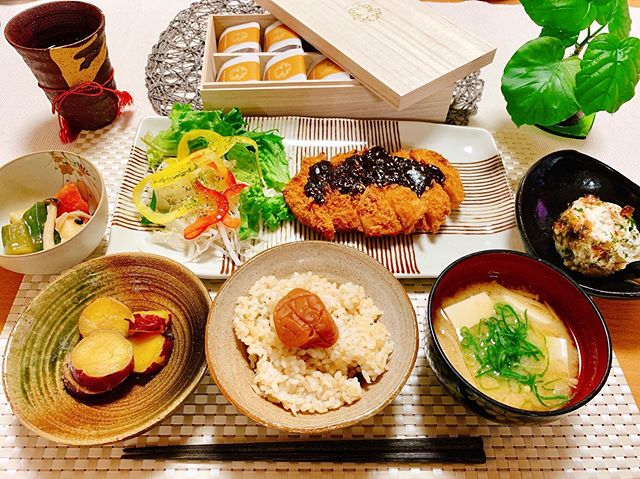 口コミ投稿:今日の晩ご飯\(^^)/🍽💞ちなみに茶碗と小鉢2つは信楽行った時に自分で作った器🤣 ・味…