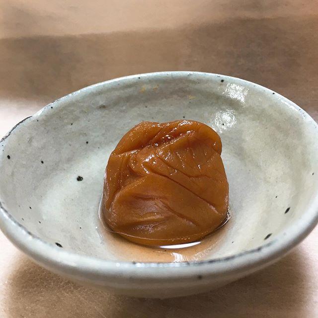 口コミ投稿:・紀州梅専門店の五代庵『紀州五代梅の心』10粒入り口にした途端に梅の香りがふわっ…