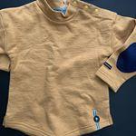 3歳1カ月の息子。95cmがちょうど良かったです!肘のパッチが可愛くて♡裾にポイントでボタンが付いてたりととっても可愛い♡大人っぽいデザインが本当に可愛いブランドなんですよ♡バース…のInstagram画像