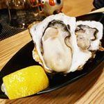 フレッシュでヘルシーなものを💓先日はぷりぷりの生牡蠣をいただきました😆季節の食材はいまとってもおいしくて、栄養価まであがってるんですよ!お刺身はカロリーもたんぱく質も豊富でダイ…のInstagram画像