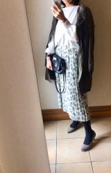 冬のホワイト小花柄スカート 北海道⑧ 稚内-オトンルイ発電所 おやすみアロマソープの画像(2枚目)