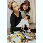 Coordinating family photos(°▽°)With my mother and my son(^_−)−☆Thank you for everybody's kind co…のInstagram画像
