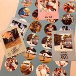 .年賀状着々と息子によるスタンプとシールペタペタ作業で出来上がってきてます😊👍🏻💕..なんだかバランス⁈😅..よくわからない年賀状ですが、優しく見てね😂❤️....…のInstagram画像