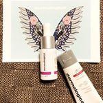 可愛い天使の羽👼❤️ダーマロジカ、最近Instagramですごく見る👀🧡気になりすぎたから、ついにコスメスターターキットゲットしてしまいました☺️✨上品な香りがして、ホテルでケアしている気…のInstagram画像
