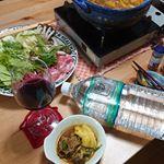 .#カレー鍋#お正月 三が日も過ぎて、そろそろ #カレー が食べたくなる時期?(笑)鍋のスープは、岩深水を用い、市販のカレールゥにクミン、ターメリック、ガラムマサラ、レッドペパー、…のInstagram画像