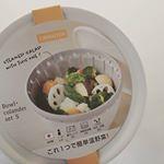 ...#リベラリスタ様の#ボール&コランダーセットのモニターに選んでいただきました💐..これ1つで食材を洗う、水を切る、電子レンジで加熱する、保存するの一…のInstagram画像