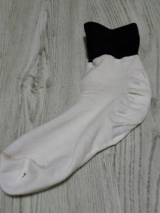 履くだけでかかとの保湿ケアができる「足うら美人しめつけないタイプ」の画像(3枚目)
