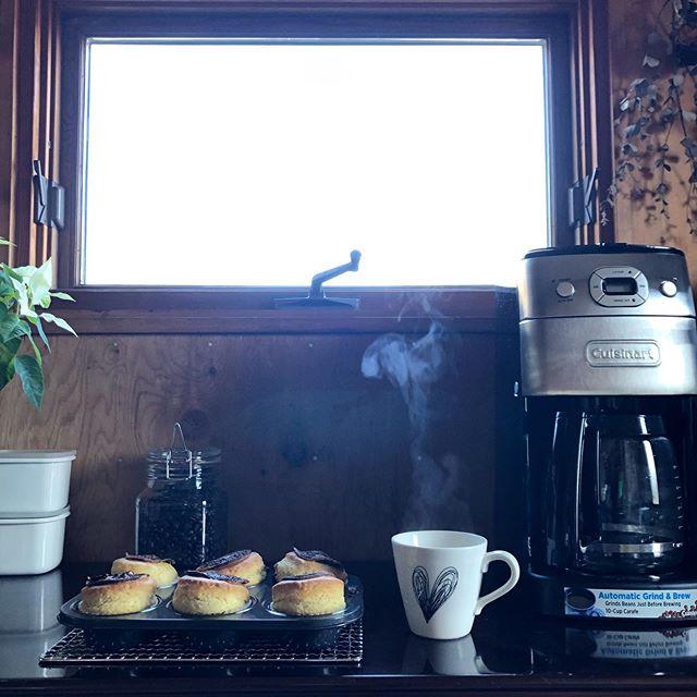 口コミ投稿:焼き立てふわっふわっマフィンと淹れたてコーヒーでホッとひと息☕️ 君は新入りなのに…