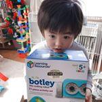 🤖コンニチハ😊今日は、ボットリー  コーディングロボット アクティビティセットをご紹介したいと思います😆🎉Amazon 知育・学習玩具大賞 2018 特別賞を…のInstagram画像