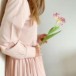 ____お花とピンク🌸可愛いデザインとカラー高い機能性のこのワンピースは@komachi_fashion のもの。春にも活躍しそうなみんなが幸せになりますように♡…のInstagram画像