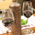こんにちは♪バレンタインにぴったりの赤ワインを飲んでみました。こちらは、「サペラヴィ クヴェヴリ」というジョージアのワインです。ジョージアは紀元前6000年(800年前)からワイン造り…のInstagram画像