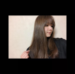 気になってたクレイツイオン(@createion )の エアスリークヘアアイロン使ってみましたん💓これ今まで使ってきたヘアアイロンと違って面白い😳設定温度になるとエアホールから風が…!🌬.…のInstagram画像
