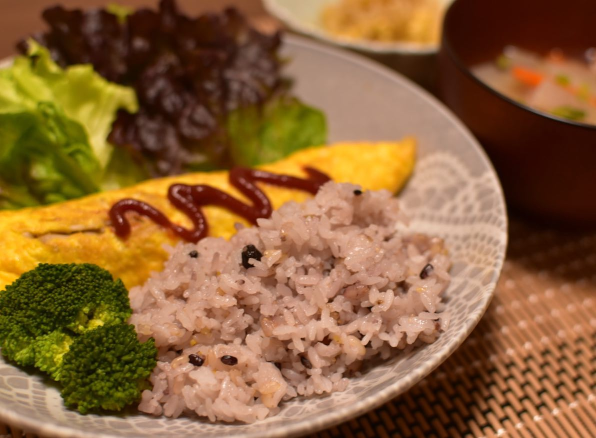 口コミ投稿:玄米雑穀ご飯プレート〜💕💕今日の夜ご飯は玄米ご飯にしてみました😋♫♫身体にいい…