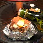 きのこのホイル焼きにオリーブオイルを使いました😊オリーブオイル独特の香りがなく、どんな食材にもあうように感じました✨オリーブオイルが一気に出ないように中蓋がついているのでちょっとかけたい時にも…のInstagram画像