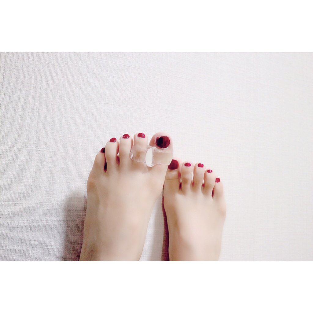 口コミ投稿:足🐾左足の指にクリアのサポーターがついているのわかるかな。これ、#木原産業株式会…