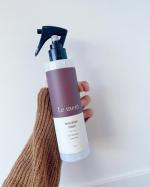 最近、髪の毛の乾燥がすごいから使ってる「ルメントブースターミスト」✨トリートメントの前に「髪の導入美容液」として使用することで保湿&補修成分の浸透を促し、トリートメントの効果を最大限引き出してくれ…のInstagram画像