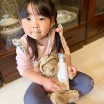【大好きなバーバリーのクマちゃんを念入りに除菌中】最近は、特に念入りに色々なところを除菌・マスク・手洗いをしています。毎日ニュースを見ている、3歳の娘は、「マスクと手を洗うのが大事なん…のInstagram画像