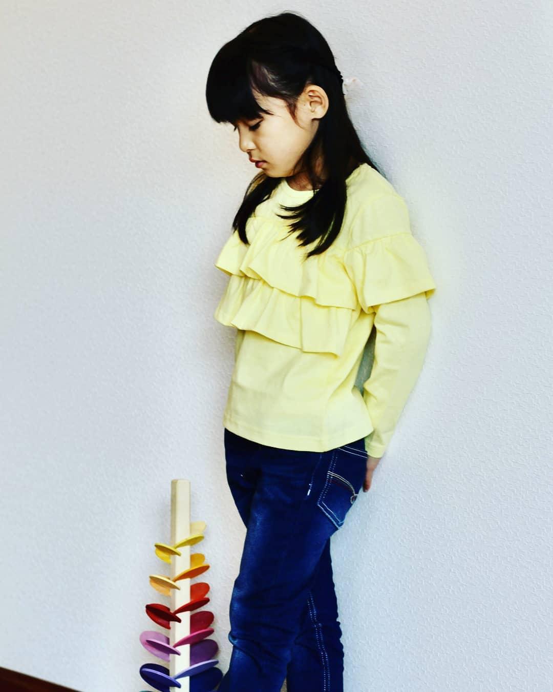 口コミ投稿:ニッセンの綿100%長袖トップス💕黄色も春らしい柔らかな色味で、フリルも可愛い🥰ズボ…
