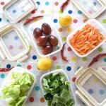🌶️フードコンテナで下ごしらえから作りおきまで食材を買ってきたら、調理しやすいように下ごしらえをしておくと便利。例えば野菜なら「洗う」「切る」の2工程まで済ませ、コンテナ収納。…のInstagram画像