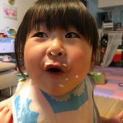 「食欲旺盛姉妹♡」【こどもの笑顔あふれるおいしい食卓風景】写真コンテスト!「お祝いの春!祝いの食卓に子どもの笑顔を咲かせよう♪」の投稿画像