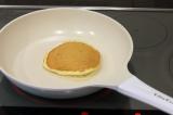 「かわいいフライパン「ビタクラフトライト」でパンケーキ」の画像(2枚目)