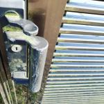 我が家の門扉についた苔、気にはなっていたもののついつい見て見ぬふりをしていました😅そんな時にこのワンステップ・スプレー・クリーナーを試させていただくことに❣️スプレーするだけでOK‼️ズボラな…のInstagram画像