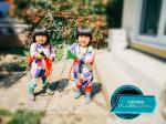 水鉄砲戦隊びしょ濡れレンジャーおうちのお庭で遊ぶの大好き🖤双子は急に「庭遊びしたいスイッチ」が入り長靴を玄関から探して持ってくることが多いそんなときママは「…のInstagram画像