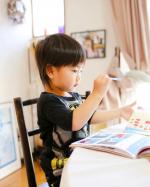.New toys.おうち時間に最近ゲットした学研の幼児ワーク3歳シールでおけいこ🥺💕.息子はシール遊びが大好きなので大喜び(੭ु ˃̶͈̀ ω ˂̶͈́)੭ु⁾⁾.…のInstagram画像