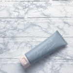 ...♡.ピュアヴィヴィ クレイ&ソルトクレンジングフォーム120g・1,200円.フランス産レッドクレイとソルトを配合した、洗顔料・洗い流すパック。おうち時間おこもり美容…のInstagram画像