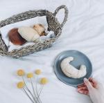 \無肥料・無農薬のこだわり小麦使用/..青森県三戸郡新郷村にて自然栽培で育った小麦を使ったパンのご紹介です*..🌱プチパン🍞デーブルロール🌱キャラメルムーン🥐ヘルン…のInstagram画像