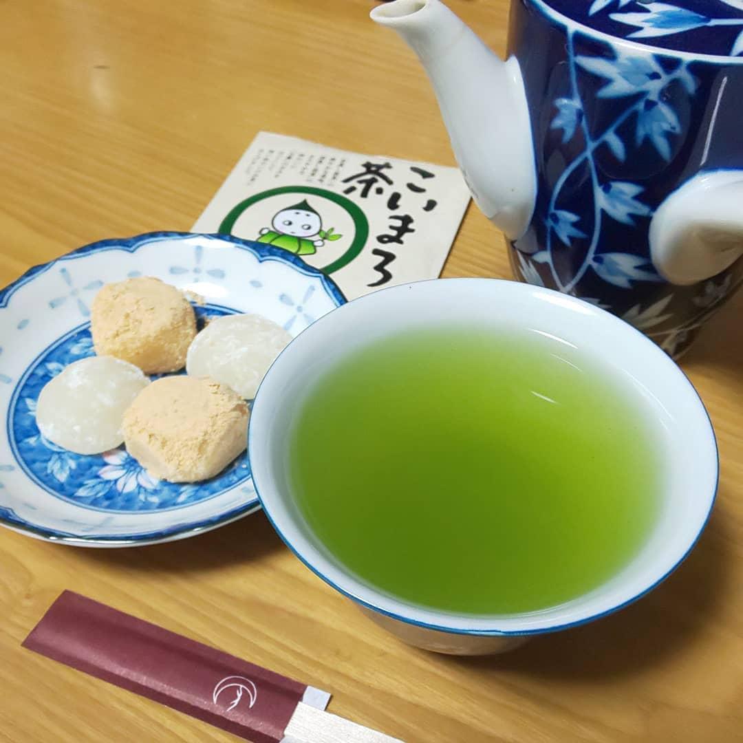 口コミ投稿:こいまろ茶をいただきました🍵✨見た目は鮮やかな濃い緑色だったので、味も濃いのかな…