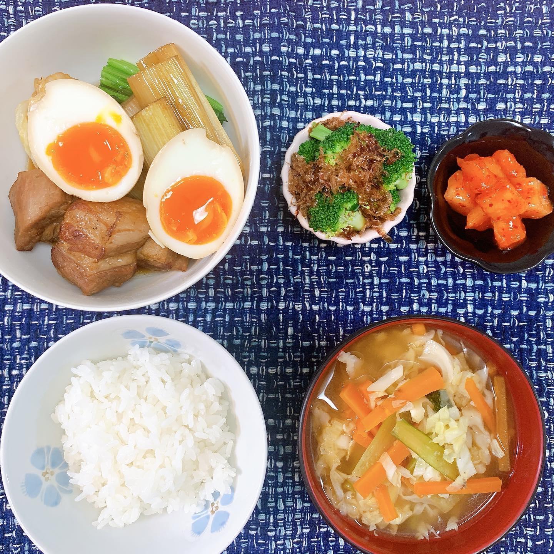 口コミ投稿:#今日の晩御飯 *平日は時間もないし手間もかかるからお味噌汁は顆粒だしなんだけど…