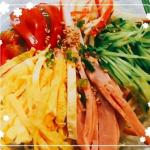 冷やし中華〜。やっぱ夏はこうじゃなきゃ!! #monmarche #野菜をMOTTO #野菜をもっと #スープ #レンジ #カップスープ #モンマルシェ #簡単 #野菜 #時短 #備蓄 #子ども …のInstagram画像