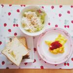 〖 #八天堂とろける食パン 〗The 朝食風に揃えてみたときの朝ごはん。在宅勤務の日やお休みの日は、ゆっくり朝ごはん食べられるから好き🤗💖とろける食パンおいしすぎて、大体レンチンしてそのま…のInstagram画像