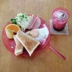 1971年創業のKOMORI(株式会社小森樹脂)のクリア食器シリーズ『クルール』🌈🌈🌈 1日のはじまりでもある朝食時に使うと、この透き通ったビタミンカラーに元気をもらえます☆AS樹脂製なのでとにか…のInstagram画像