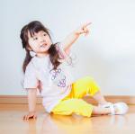 @hiraki_official の上靴♡680円+税 のプチプラ🌱 ͛.*.値段が安いのに履き心地もいいのでゆっちゃんは幼稚園から小学生になった現在もずーとずーっと愛用中♡…のInstagram画像
