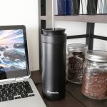 コーヒープレスとステンレスボトルの2in1ボトル『コトル』。コーヒー粉とお湯を入れてプレスするだけで、手軽にレギュラーコーヒーの風味が楽しめる真空2層式のステンレスボトルです。このボトル1…のInstagram画像
