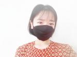 洗える 3層マスク高機能微粒子カットフィルターでしっかりガードしてくれます‼︎布マスクだから柔らかくて長時間着用しやすいです✨私は息苦しさを感じず快適に使用できています😊鼻からあごまで…のInstagram画像