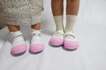 @hiraki_official さんの上靴♡上靴ってさ。幼稚園はほとんど汚れなくてサイズアウトまで履けるんよね。あにまるの時は中敷の色まで指定でガッチガチやったんやけどるかまるの時代…のInstagram画像