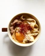 ・・・・〜おっきりこみうどん〜 ・ ・・・・太麺のうどんを鰹出汁に白、赤味噌で煮込んだおっきりこみうどん風。濃厚なスープをうどんが吸って美味しくいただけました。そして今回使…のInstagram画像